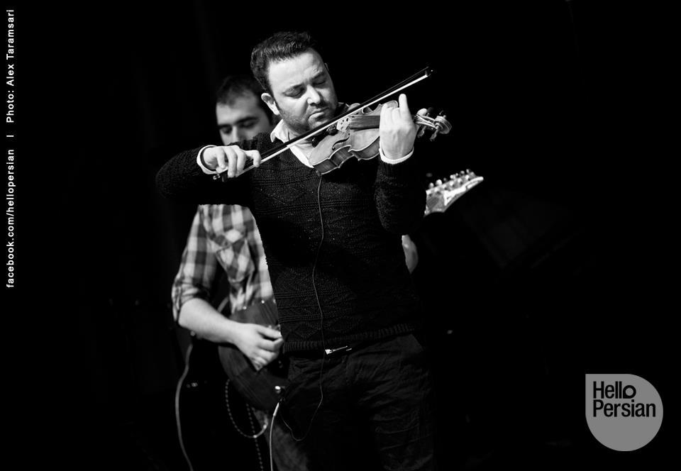 http://musiceiranian.ir/images/news-pic/2013/02/Benyamin-10.jpg