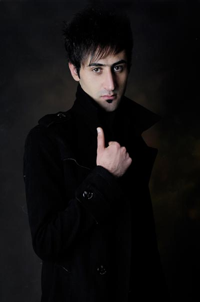 http://musiceiranian.ir/images/news-pic/2013/02/abdi2.jpg