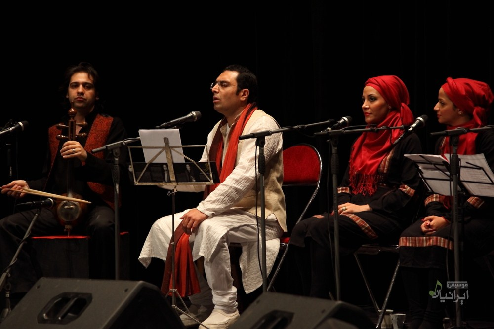 موسیقی کردی و فارسی به روی صحنه رفت