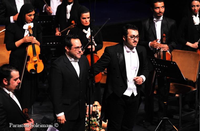 ارکستر فیلارمونیک تهران با رهبری آرش گوران به روی صحنه رفت