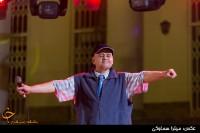 اکبر عبدی با تیپی جالب در کنسرت رستاک +عکس