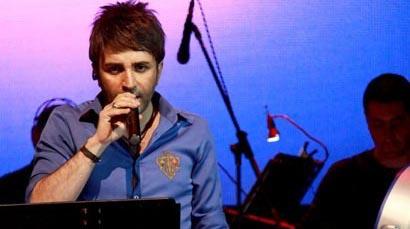 «خواننده تیتراژ مانند بازیگر است»