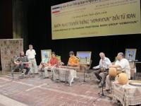 کنسرت گروه همایون در ویتنام (برای بزرگنمایی تصویر کلیک کنید)