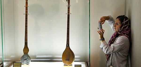 در بازدید از موزه موسیقی ایران صورت گرفت