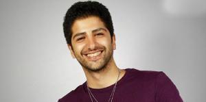 تیزر این اثر را در ادامه از موسیقی ایرانیان ببینید