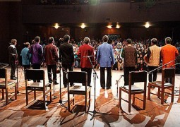 عکسهای این کنسرت را در ادامه از «موسیقی ایرانیان» مشاهده کنید