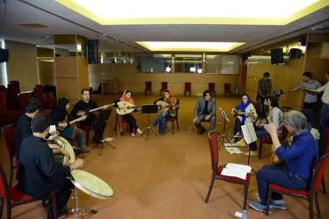 تمرین گروه موسیقی مضراب (برای بزرگنمایی تصویر کلیک کنید)