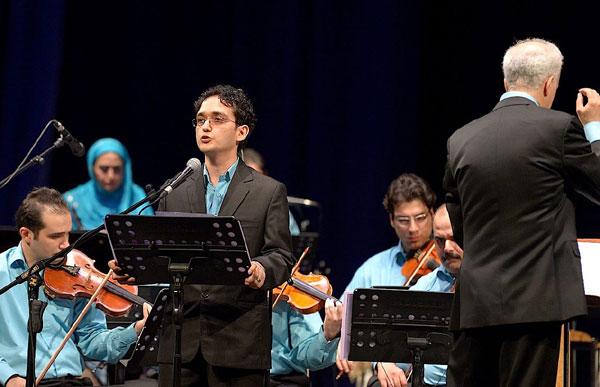 با سرپرستی و آهنگسازی ناصر ایزدی