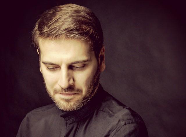 دانلود قطعه شنیدنی و فارسی «ز عشقت» از این آلبوم با اجازه صاحب اثر و از طریق سایت «موسیقی ایرانیان»