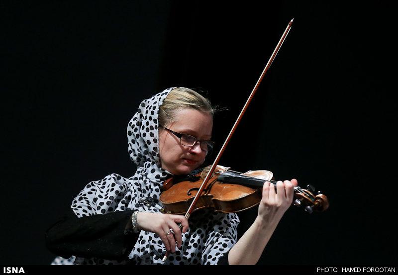 مصاحبه با رهبر ارکستر استونی در جشنواره فجر