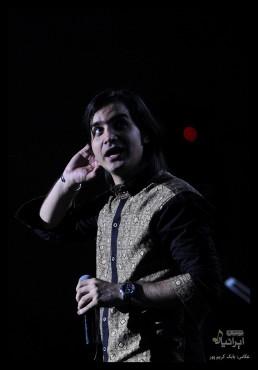 کنسرت محسن یگانه در جشنواره موسیقی فجر