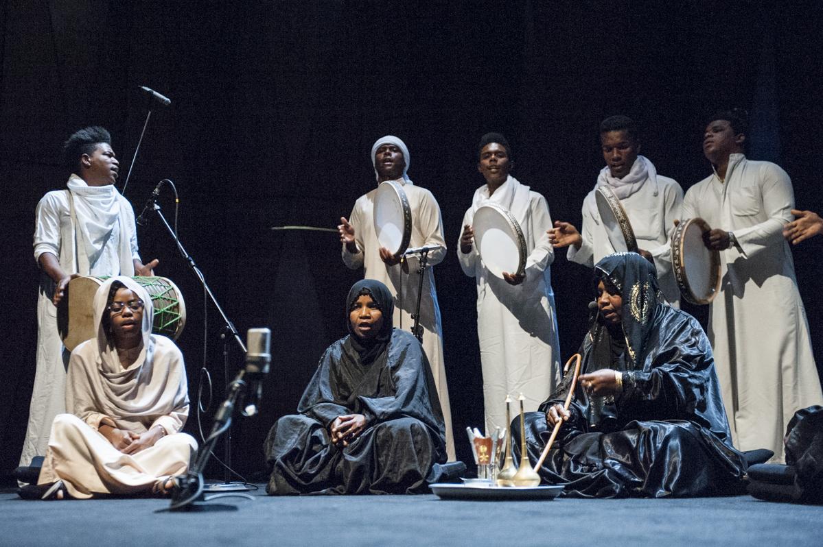 جالی خالی غلام مارگیری در جشنواره آینه دار
