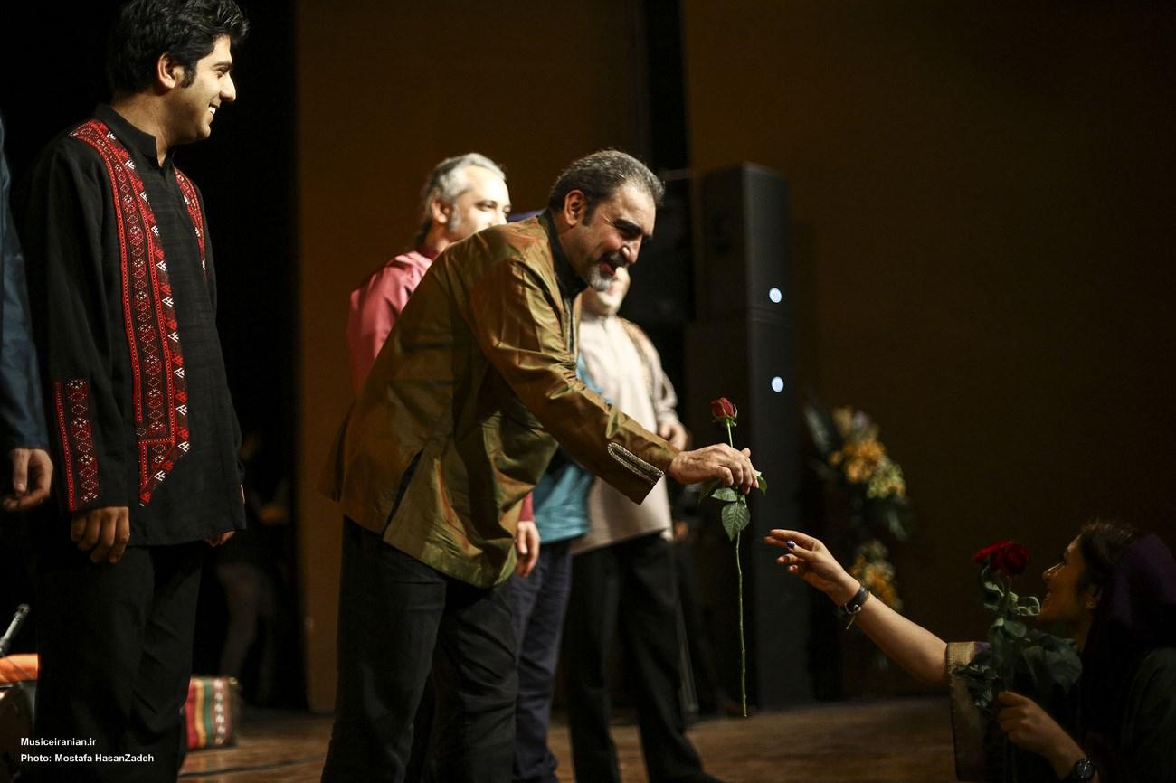 با همراهی «گروه همساز» به سرپرستی «مسعود شعاری»