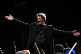 این ارکستر باید یک نهاد مستقل شود و با جایی حتی خانه هنرمندان ایران نیز رابطه نداشته باشد!