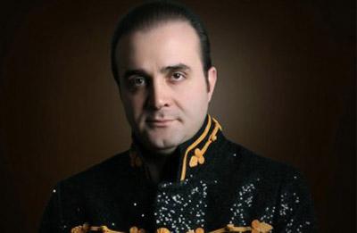 در موسیقی ایرانی باندبازیها و مافیا بازیها اجازه رشد و ارتقای هنری به هنرمندان حرفهای را نمیدهد