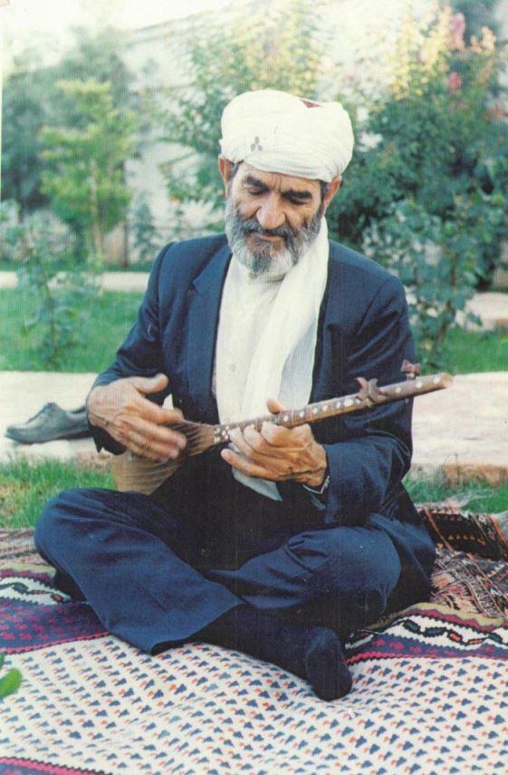 عثمان محمدپرست: دو تار یعنی عشق!