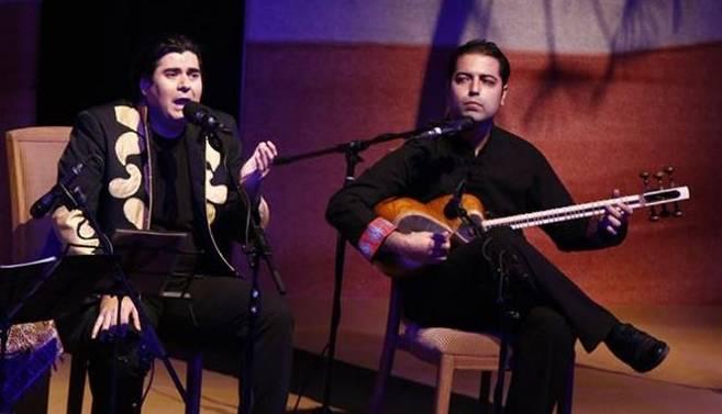 با همراهی گروه موسیقی «سور» به سرپرستی «مجید مولانیا»