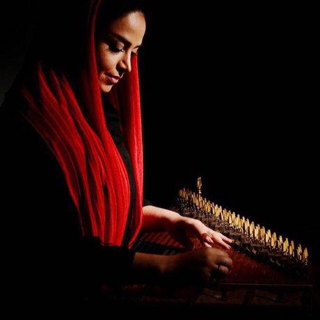 «چنگ و قانون دو سازی هستند که بهلحاظ ظرافت و لطافت، بیشتر با نوازندگان زن جور درمیآیند»