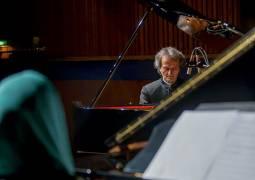 گزارش متنی و تصویری سایت خبری و تحلیلی «موسیقی ایرانیان» از دوئت پیانو «شهرداد روحانی»