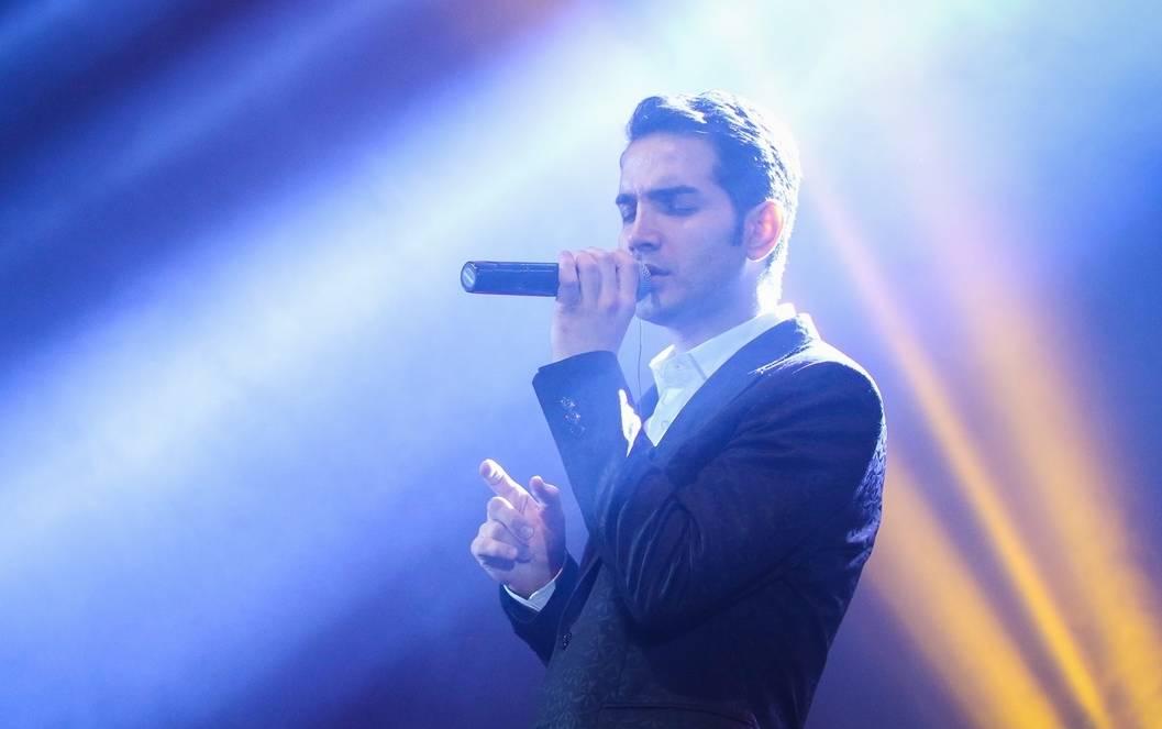 گزارش متنی و تصویری «موسیقی ایرانیان» از کنسرت «محسن یگانه»