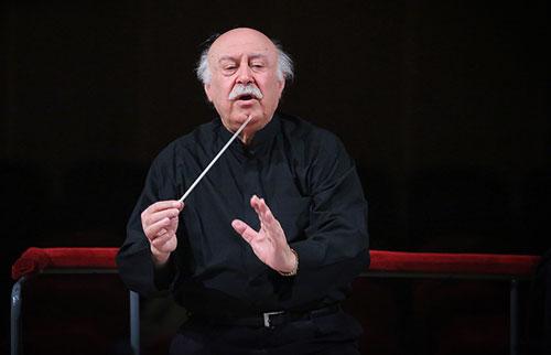 من هنوز بر سر مواضع پیشین خود درباره ارکستر ملی هستم و بر آن تأکید دارم!