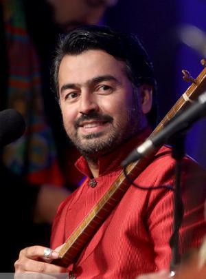 «تلاش میکنم موسیقی ایرانی اجرا کنم»