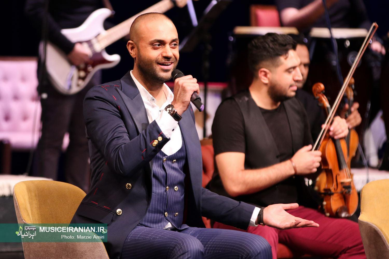 حامی آذرماه در تالار وحدت به روی صحنه می رود