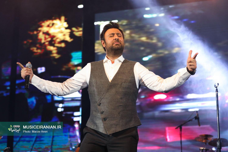 گزارش مفصل متنی و تصویری «موسیقی ایرانیان» از اجرای «محمد علیزاده»