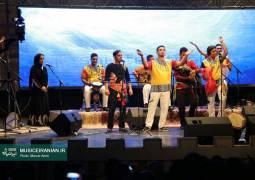 گزارش متنی و تصویری «موسیقی ایرانیان» از نخستین شب کنسرت «آوای موج»