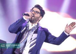 گزارش متنی و تصویری «موسیقی ایرانیان» از اجرای «حامد همایون» در جشنواره موسیقی فجر