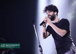 گزارش متنی و تصویری «موسیقی ایرانیان» از کنسرت «زانیار خسروی» در جشنواره موسیقی فجر