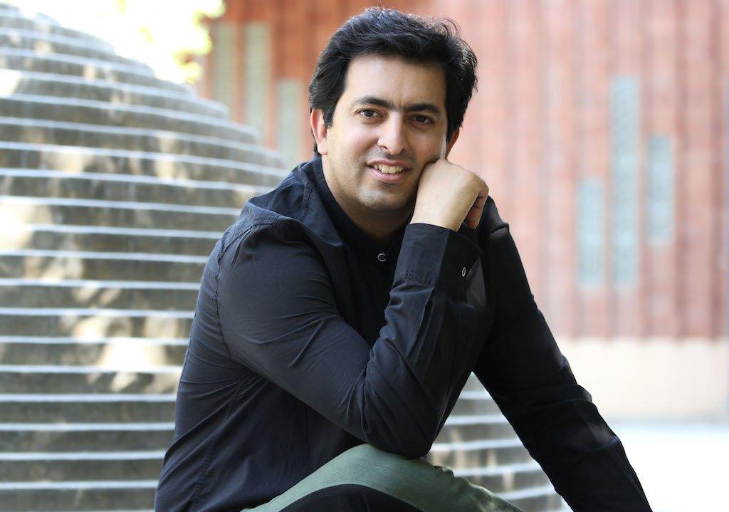 سرپرست گروه آوازی تهران می گوید امسال به توصیه ستاد جشنواره، چند قطعه مرتبط به ایام فجر هم برای اجرا آماده شده است.