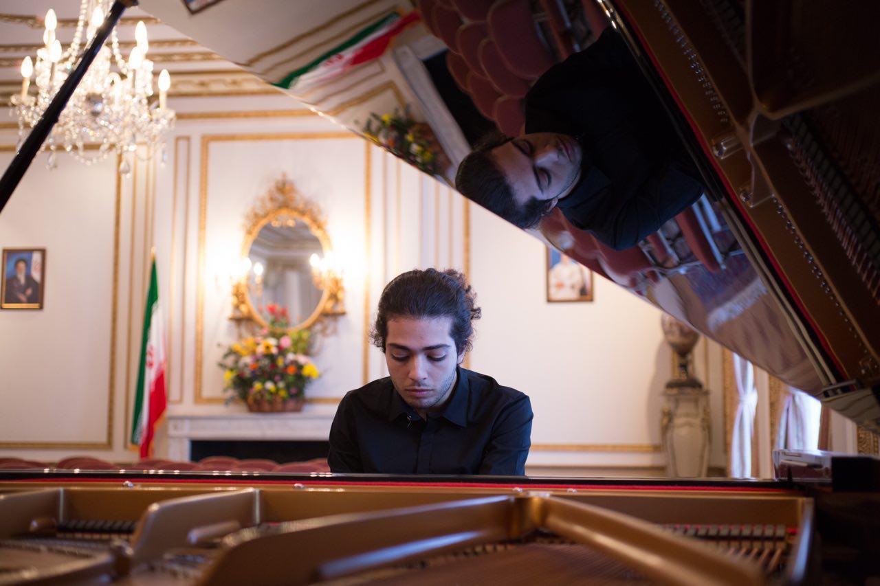 برنده جایزه بین المللی پیانوی «باربد»؛