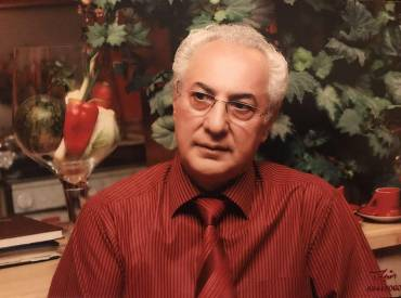 گفتگو با میلاد کیایی: خواننده سالاری یکی از آسیب های موسیقی ملی ایران است