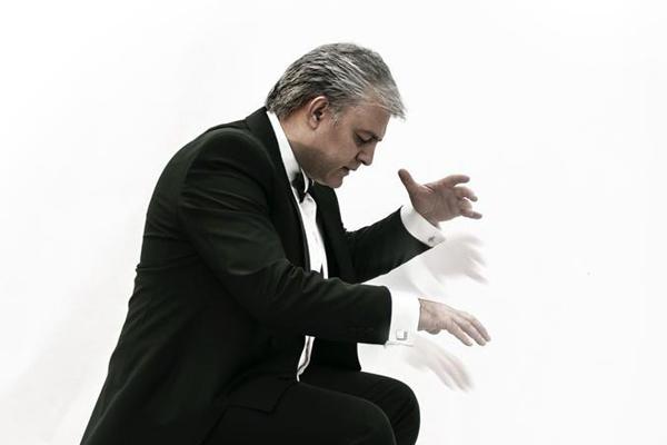 «فصل سکوت» فرهاد هراتی به تالار وحدت رسید | جزییات یک اجرای متفاوت