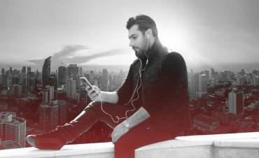 47337 565 1 e1547117366626 370x226 - آلبوم «شهر دیوونه» با صدای «احسان خواجهامیری» دوم بهمن ماه منتشر میشود