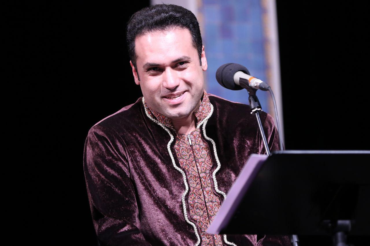 ارکستر سازهای ملی ایران به خوانندگی وحید تاج به روی صحنه می رود