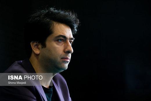 حرکت جالب محمد معتمدی در یک نشست خبری