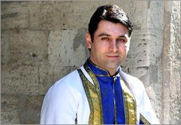 ناصر عطاپور با گروه موغام در تبریز به صحنه میرود