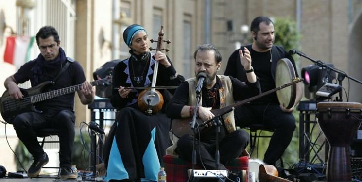گروه رستاک نشاط را به قلب طهران آورد