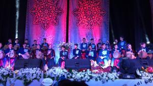 گروه «کاغذ رنگی» در اصفهان برگزار شد - کنسرت گروه «کاغذ رنگی» در اصفهان برگزار شد
