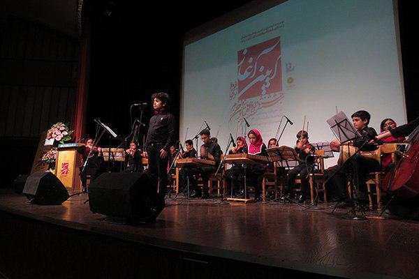 زنگ آغاز ششمین جشنواره موسیقی نوای خرم به صدا درآمد | ذکر چند نکته مهم در جمع یک خانواده دو هزار نفری