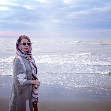 شبنم قلیخانی لب دریا