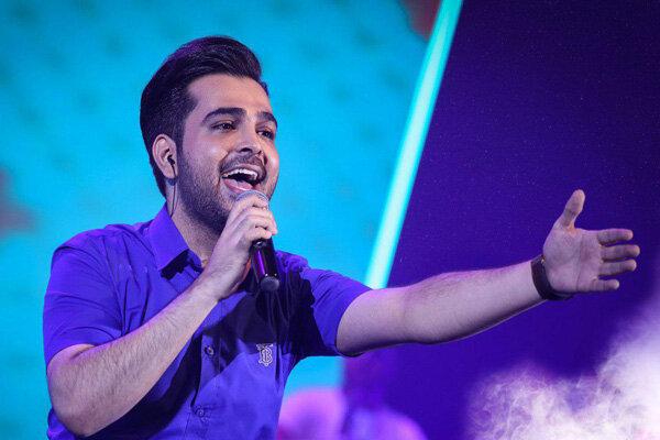 قدردانی از طرفداران ۶۰ ساله در شصتمین کنسرت فرزاد فرخ