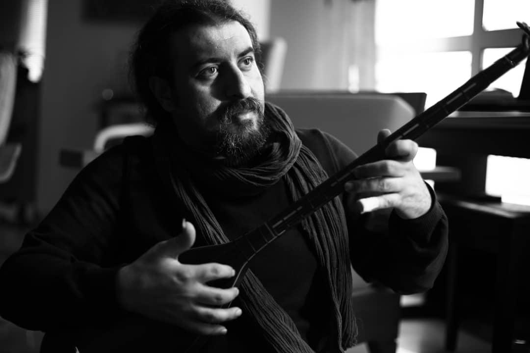 فرید الهامی در گفتگو با موسیقی ایرانیان: ملودیهای درجۀ چندم نسلهای گذشته تبدیل به موسیقیهای امروزی شده است / خوانندگان نسل جدید فقط به بیزنیس فکر میکنند