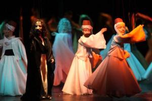 اپرای مولوی با خوانندگی «همایون شجریان» و «محمد معتمدی» روی صحنه میرود