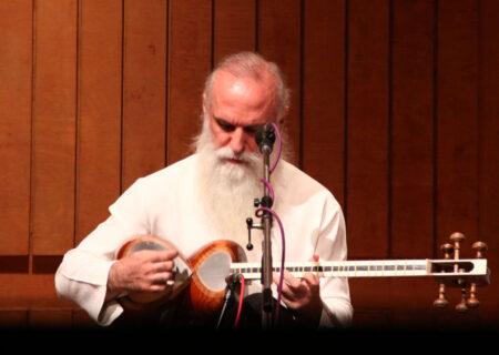 داوود آزاد: موسیقی عرفانی به دف و تنبور محدود نمیشود