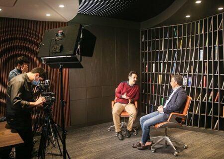 محسن رجبپور: برخی خوانندگان داخلی برای کمپانیهای آمریکایی کار میکنند