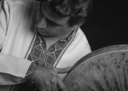 اهدای مدرک درجه یک هنری به دکتر عماد توحیدی