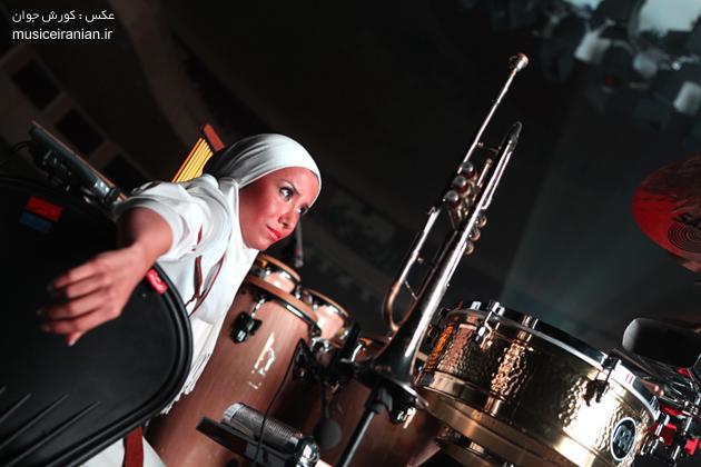 http://musiceiranian.ir/images/news-pic/9805/arian/part2/z-(29).jpg